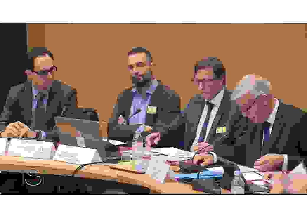 Table-ronde sur le financement de la transition énergétique au Sénat avec Olivier Garnier (Amorce), Benoît Leguet (I4CE) , Dominque Bureau (CEDD) et Hervé Maurey, président de séance (de gauche à droite)