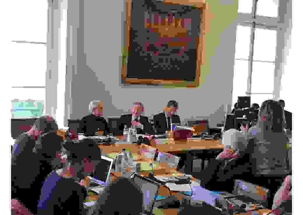 Conférence au Sénat et présentation du plan d'action de la Commission des Lois Sénat pour une plus grande sécurité des maires