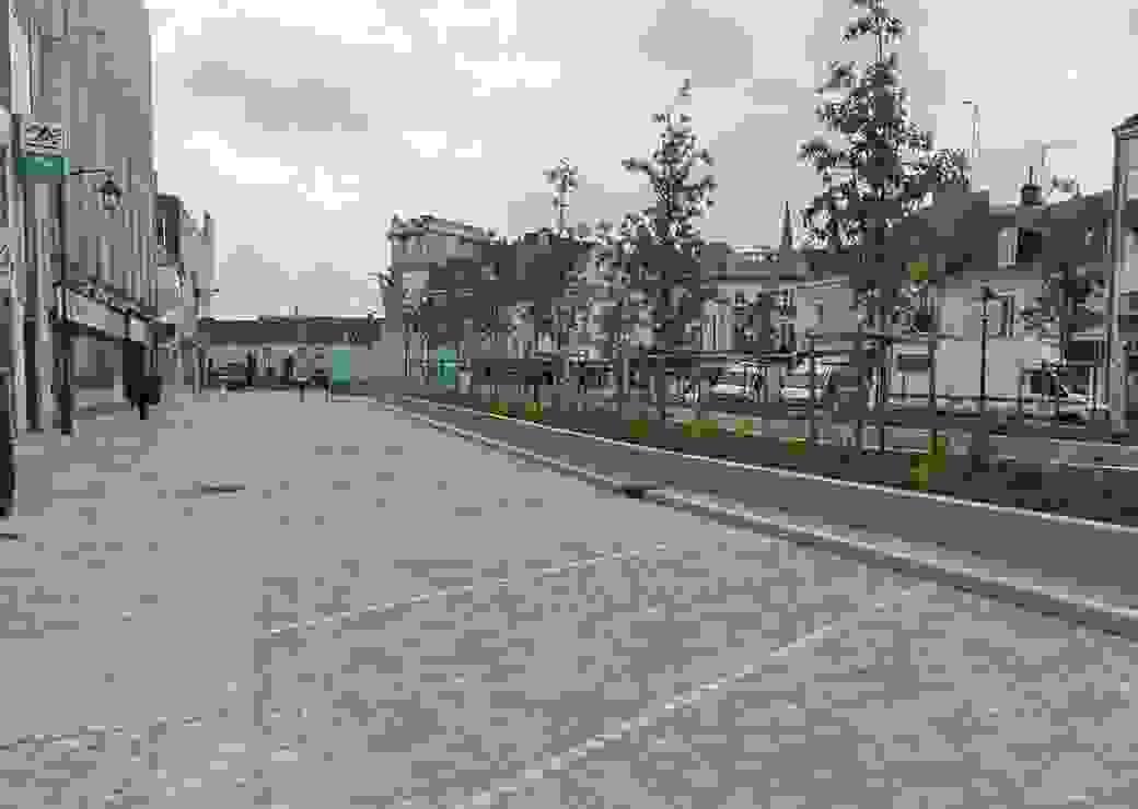 La nouvelle place Gambetta : un jardin urbain en entrée de centre-ville (36)