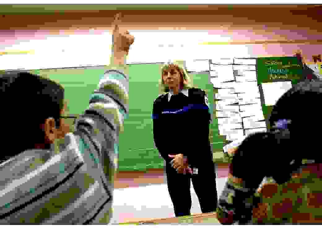 Prévention en classe par une policière municipale