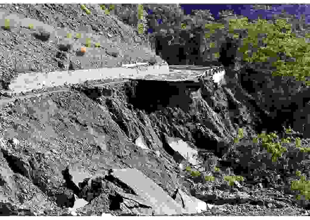 Route effondrée