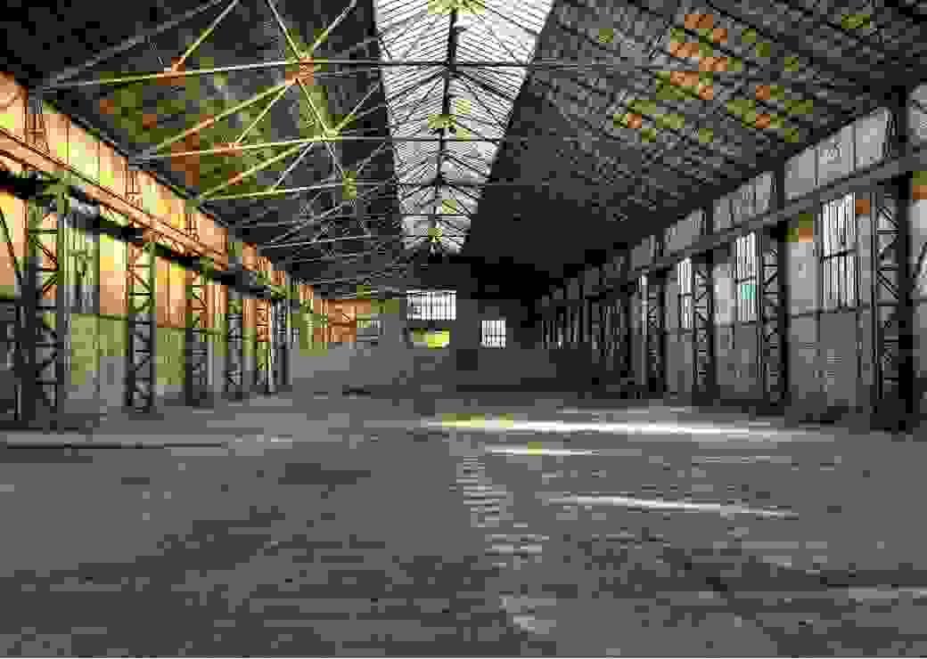 Bâtiment industriel vide