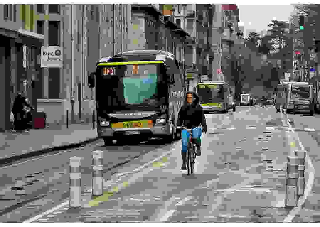 voie de bus à Grenoble
