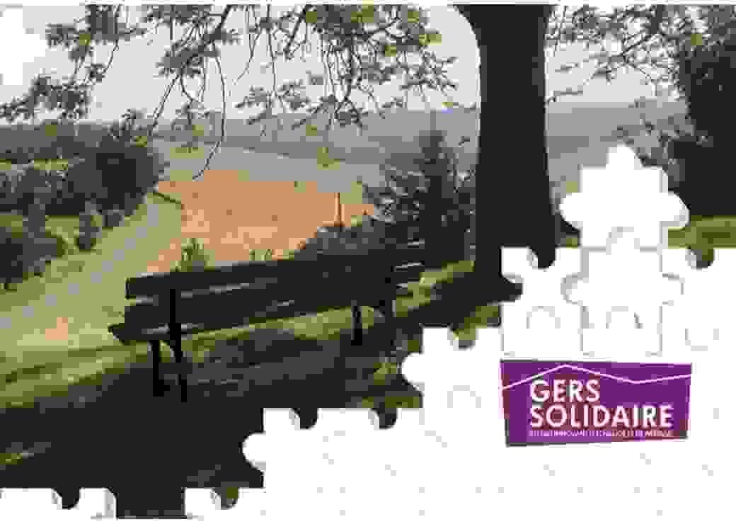 """Sur une photo de paysage sont découpées des formes de pièces de puzzle. Un logo apposé sur l'image dit """"Gers solidaire, réseau innovant d'échange et de partage"""""""""""