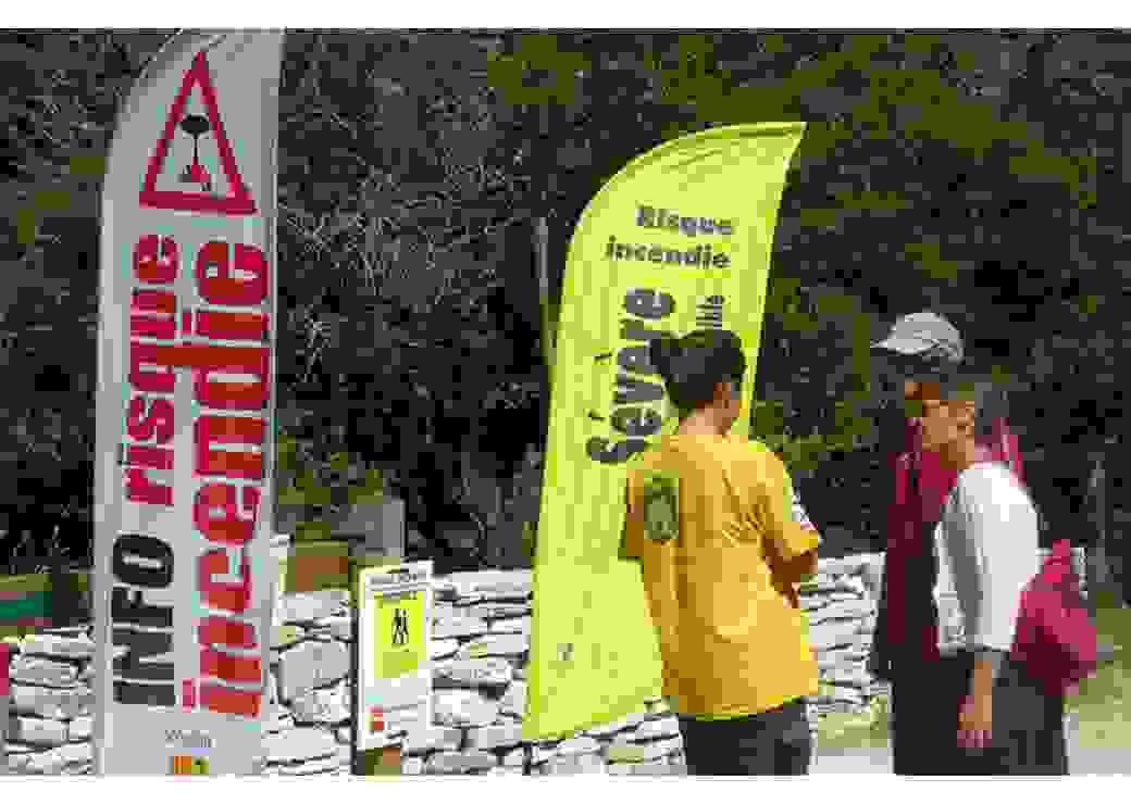 """""""Jeunes en forêt"""", pour sensibiliser visiteurs et habitants aux risques incendie"""