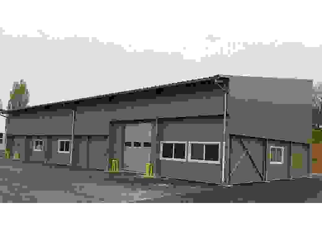 La légumerie, un bâtiment de 400 m² en face de la cuisine centrale