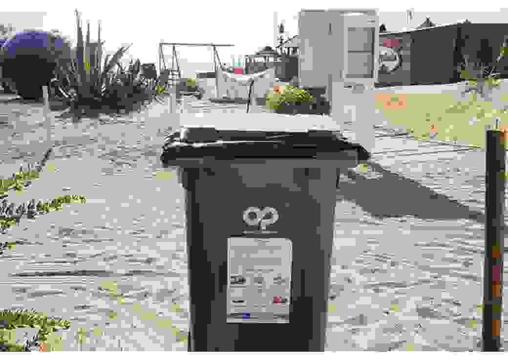 Collecte de biodéchets sur la plage de Pampelonne à Ramatuelle
