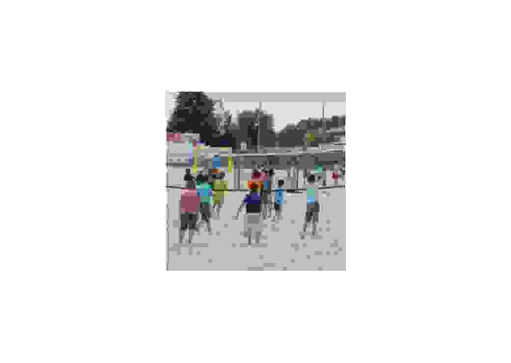 Jeux de volley dans le sable à la Flèche (72)