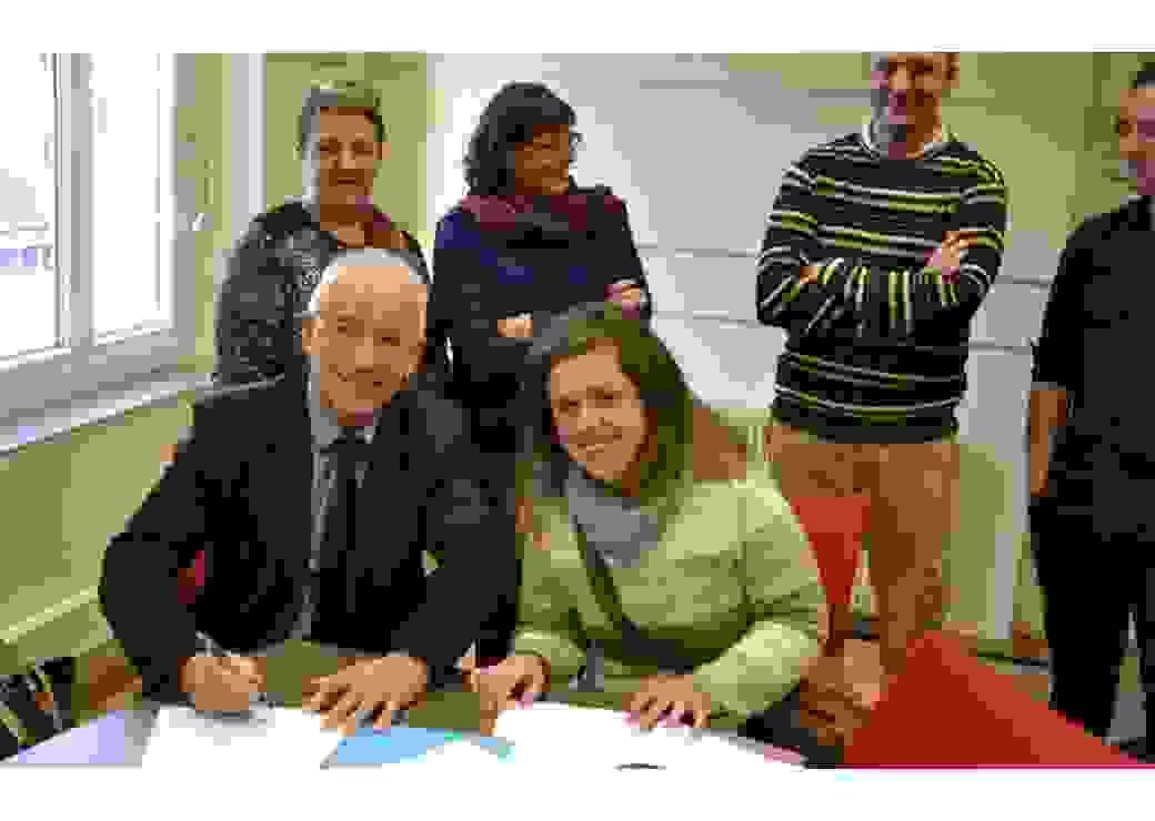 Signature d'un contrat de huit mois de service civique