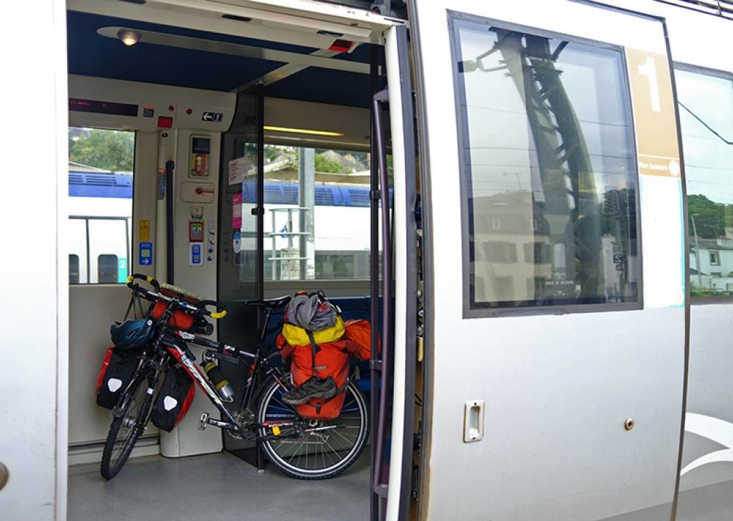 Des pistes d'action pour de meilleures interactions entre le vélo et les autres modes de transport